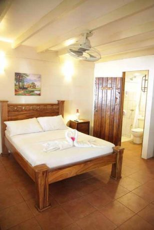 hotel_m&m_beach__house_room01